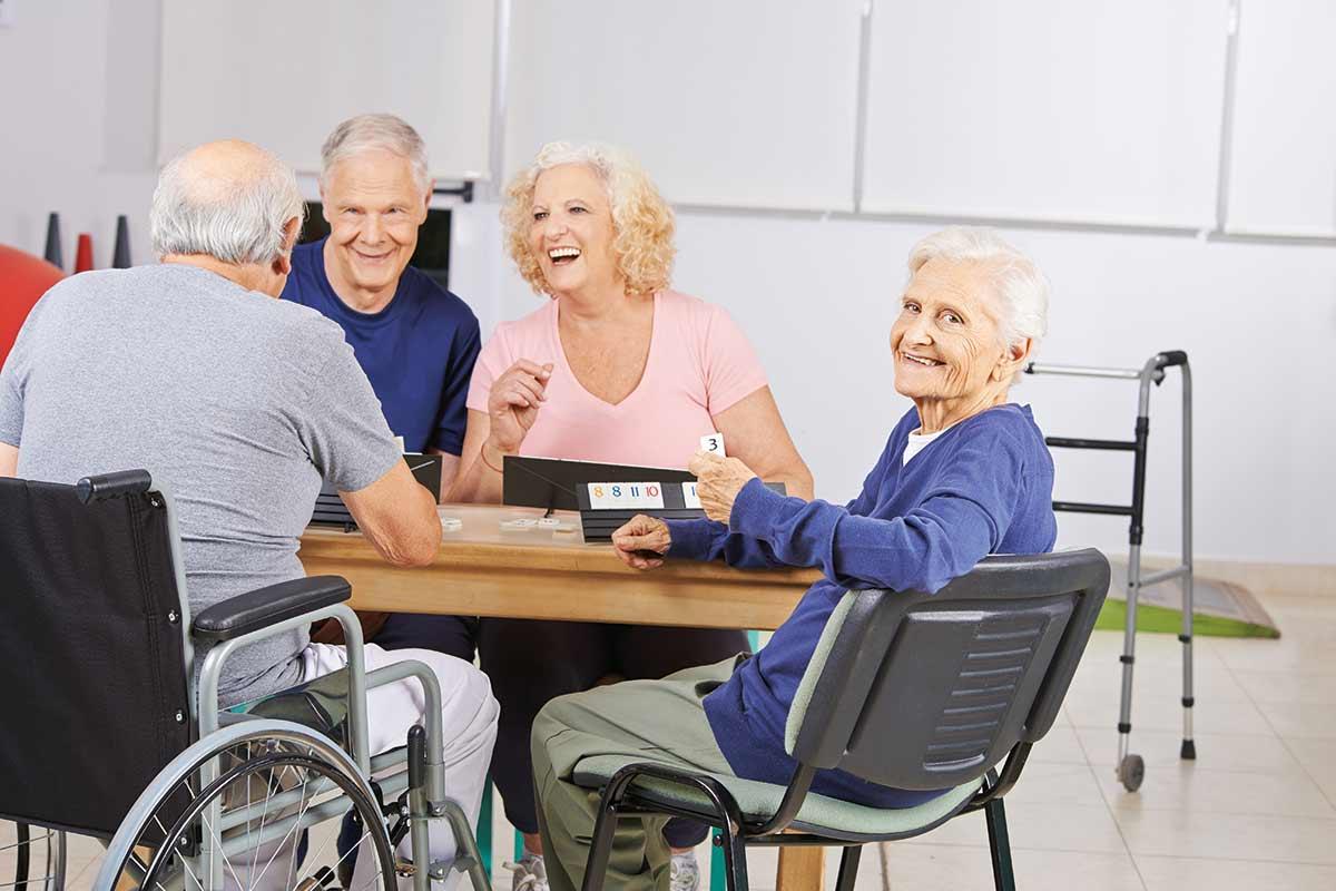 Senioren (Alten)- und Pflegeheime